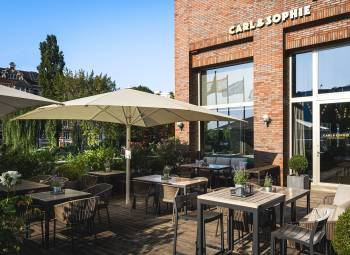 Terrasse CARL & SOPHIE Spree Restaurant