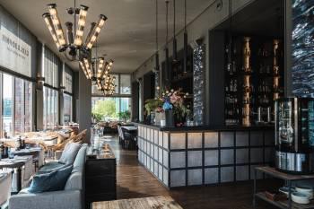 CARL & SOPHIE Spree Restaurant