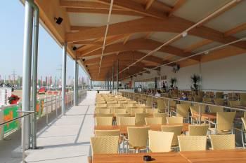 Terrasse Eventhalle