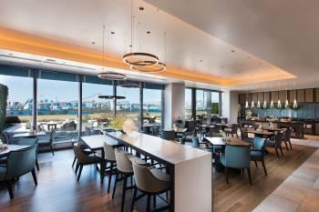 Executive Lounge at Hilton Tokyo Odaiba