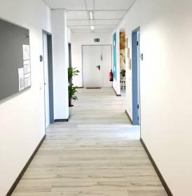 Heller und moderner Schulungsraum in Düsseldorf-Lierenfeld