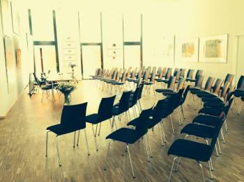 Urbanes und modernes Tagescafé als Workshopraum