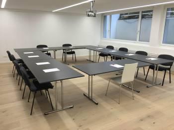 Moderner Seminarraum in Zürich