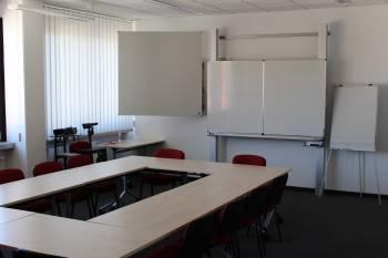 Vielseitiger Meeting- und Schulungsraum