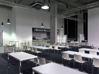 Foto- und Eventlocation für Firmenfeiern im Industriedesign