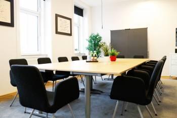 Moderne Besprechungsräume in Marktforschungsinstitut