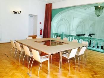 Offene Galerie als Seminarraum in historischem Gebäude