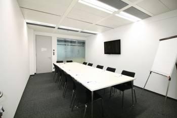 Gut ausgestatteter Besprechungsraum im 12. Bezirk
