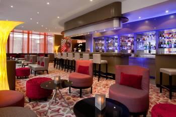 Kemmons Bar im Crowne Plaza