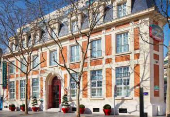 Courtyard Paris Boulogne