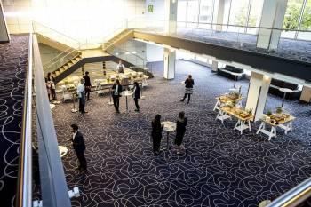 Hilton Munich Park - Foyer Ballsaal Social Distancing