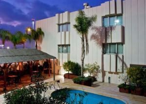 Ansicht Tryp Valencia Azafata Hotel