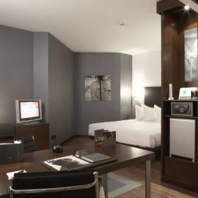 hotel.images[0].imageUrl