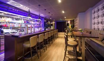 theos Bar