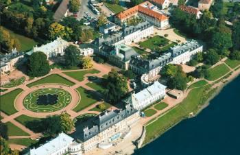 Schloss & Park Pillnitz mit Hotel