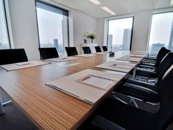 Konferenzraum bis 16 Personen (Blockbestuhlung)