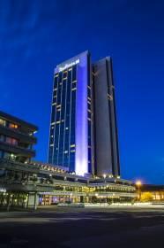 Radisson Blu Hotel, Hamburg bei Nacht